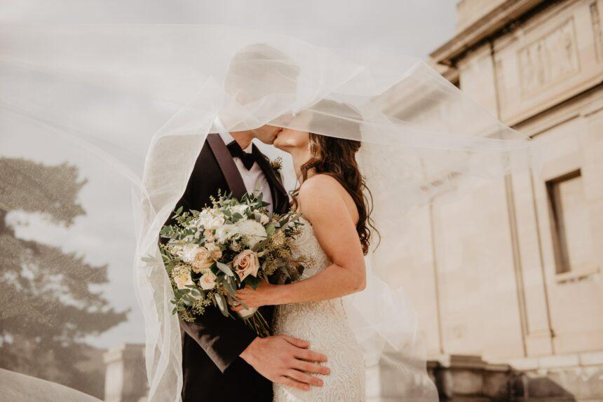 12 grzechów głównych, czyli jak rodzice pary młodej potrafią zniszczyć dzień ślubu